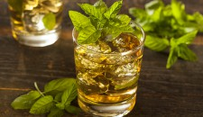 The perfect Mint Julep Recipe for Summer!