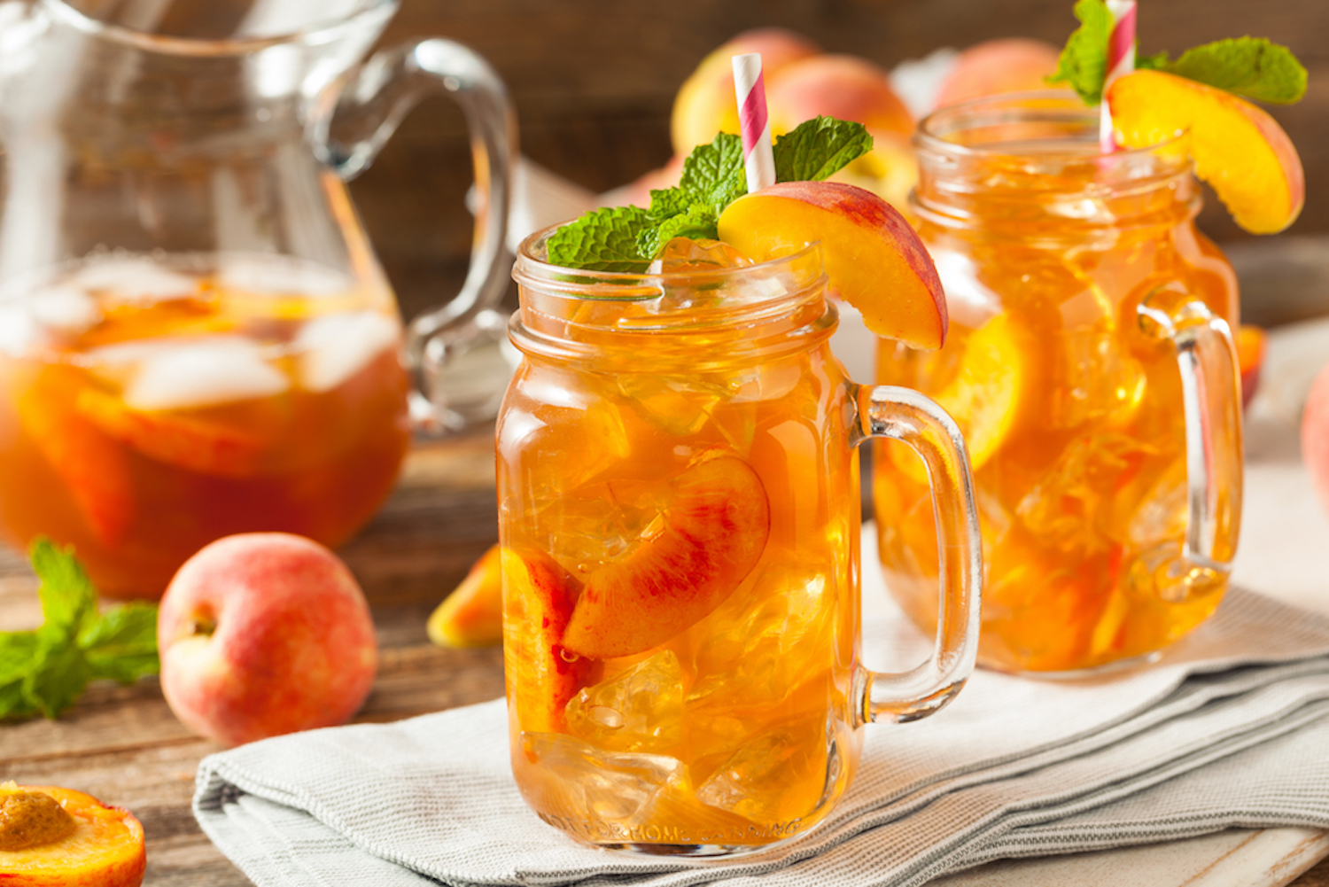 How to make fruit infused iced tea that 39 s perfect for summer for Easy fruit tea recipe