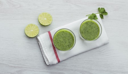 How to make a kiwi mint tea smoothie