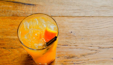 How to Make a Yellow Peach Rooibos Caipirinha Cocktail
